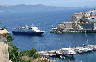 Laiva Argo-Saroniset saaret